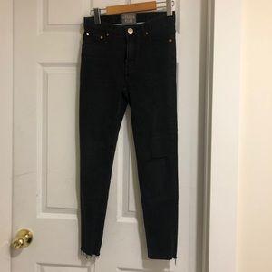 2/$20  Golden Plug Black Distressed Skinny Jeans
